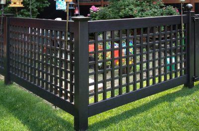 black-pvc-vinyl-lattice-garden-fence-idea-illusions